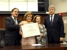 12/04/2016 - Título Cidadania Honorária para Wanda Lacerda