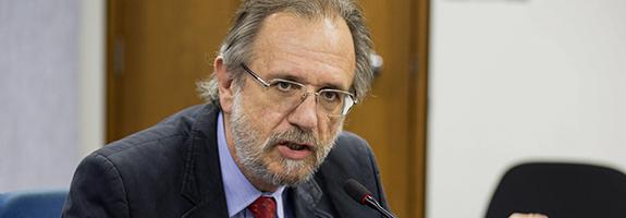 2014ago27 - O ministro do Desenvolvimento Agrário, participou nesta quinta-feira (27), em Brasília (DF), da primeira reunião do Programa Nacional de Plataformas do Conhecimento sobre bioenergias, promovido pelo Ministério de Ciência e Tecnologia (MCT) - See more at: http://www.mda.gov.br/sitemda/noticias/ministro-rossetto-participa-de-reuni%C3%A3o-sobre-bioenergia#sthash.mQDTMiJW.dpuf.  Foto: Paulo H. Carvalho - MDA