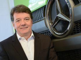 Mercedes fala em crescimento de vendas, mas admite prejuízo também em 2017